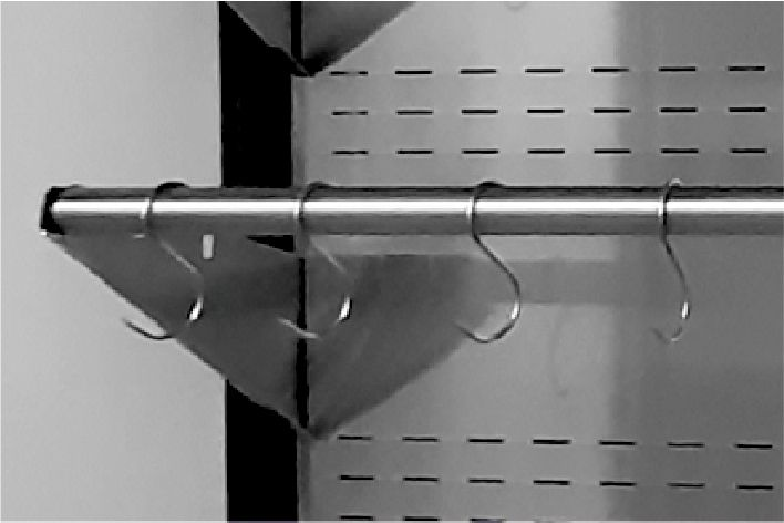 """crossbars with """"s"""" type hooks in multideck refrigerated displays"""